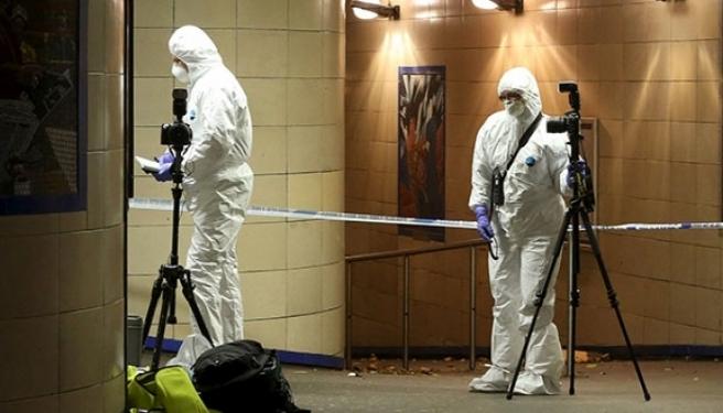 Londra'da 4 Kişi Metroda Bıçaklandı