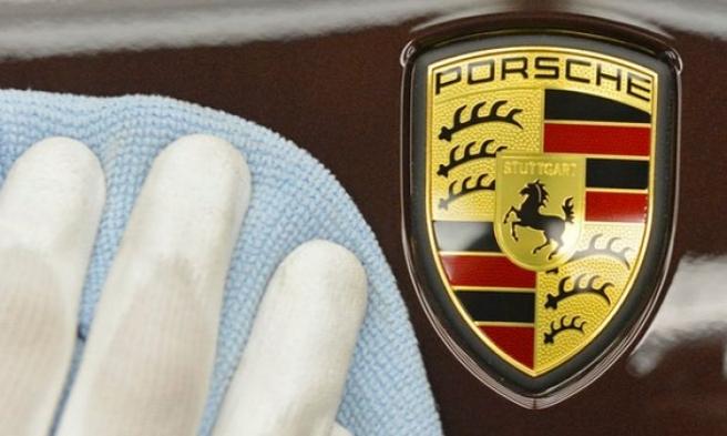Porsche'den Tarihi Çağrı