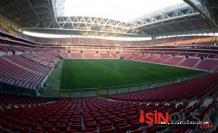 Galatasaray-Fenerbahçe maçında bomba alarmı!